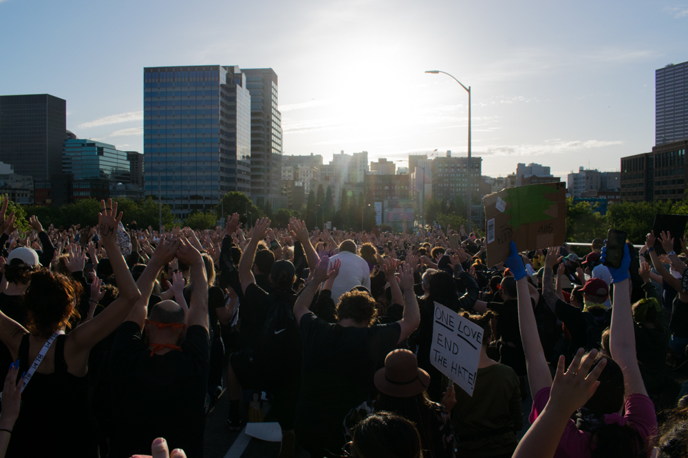 Portland_Protesters_on_the_Morrison_Bridge_on_June_3,_2020